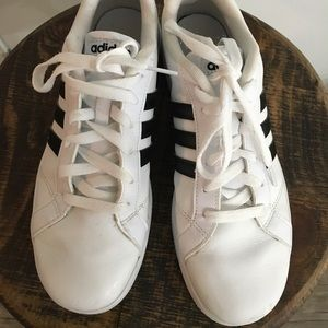 Adidas sneakers in Excellent Condition.